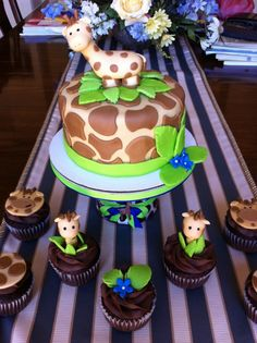 """Giraffe Cake and cupcakes in """"Children's Birthday Cakes"""" — Photo 1 of 1 Pretty Cakes, Cute Cakes, Beautiful Cakes, Amazing Cakes, Baby Cakes, Baby Shower Cakes, Cupcake Cakes, Bolo Artificial, Dessert"""