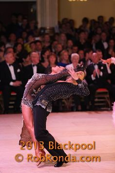 What flexibility and balance!  Andra & Mauricio Blackpool 2013 - Professional Latin