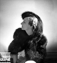 Caroline Reboux. Hat, Paris, septembre 1937 © Lipnitzki / Roger-Viollet Caroline Reboux, Parisian, Marie, Photographers, Hairstyles, Hats, Rue De Seine, Old Photography, September