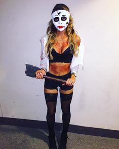 when bae doesn't text back. #thepurge #halloween 💀💀💀 Girl Group Halloween Costumes, Couple Halloween, Halloween 2019, Girl Costumes, Halloween Diy, Halloween Makeup, Sheik Cosplay, Halloween Disfraces, Diy For Girls