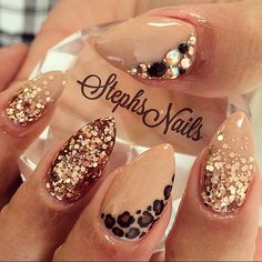 Stephanie Rochester's (@_stephsnails_) Instagram photo - #simple#fallnails#nudenails#almondnails#cute#rosegold#glitterombre#chunkyglitter#diamonds#blackcrystals#caviarbeads#leopard#almo - PixGram