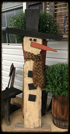 Standing snowman by Pass Thyme Primitives