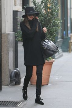 miranda kerr: total black look