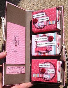 Coffret Naissance Mini Albums Scrapbook, Baby Scrapbook, Creative Box, Baby Album, Pocket Letters, Explosion Box, Smash Book, Diy Birthday, Mini Books