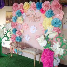 Фото зона для первого дня рождения маленькой красотулечки! #иринаунгарова…