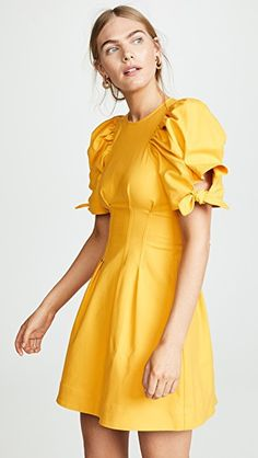 SHOPBOP SALE | Every Shopbop sale is worth checking out. I've highlighted some of my favorite styles that are much more affordable at 40% off. Happy Shopping! Click here to shop at J Cathell #shopbop #womensfashion #summerfashion #springfashion #shopbopsale