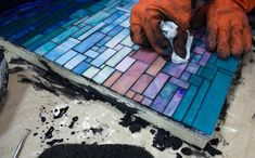 ***** Frequently Asked Mosaic Questions - Mosaic diy - Welcome Haar Design Mosaic Tile Art, Mosaic Artwork, Mosaic Crafts, Mosaic Projects, Mosaic Glass, Mosaic Mirrors, Mosaic Rocks, Diy Projects, Concrete Projects