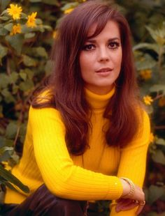 Natalie Wood wearing Yellow ~ photo at http://lovelylifethejourneythroughthesixties.blogspot.com/2011_03_01_archive.html