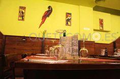 Saborea la cocina del restaurante asador tapería A Favela, en el centro de Vigo. Reserva aquí, tu mesa con descuento. Pide tu comida a recoger.