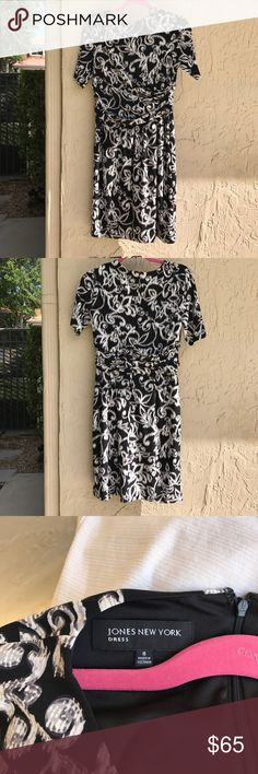 Jacobean print print JONES OF NEW YORK. NWOT Gained weight. Never worn. Beautiful slenderizing dress. Lined. Jones New York Dresses Midi