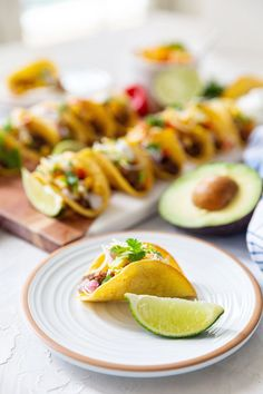 Mini Taco Appetizers For Party, Appetizer Recipes, Mini Tacos, Ground Beef Tacos, Ethnic Recipes, Food, Shower Appetizers, Starter Recipes, Essen