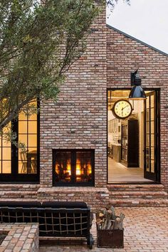 Diane Keaton dreamed of having a brick house ever since she was five, when her mother read her The Three Little Pigs. Design Exterior, Modern Exterior, Brick Design, Rustic Brick House Exterior, Patio Design, Modern Patio, Modern Brick House, Red Brick Exteriors, Exterior Windows