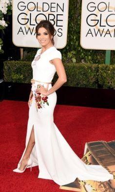 Atriz Eva Longoria no tapete vermelho do 73º Globo de Ouro