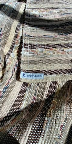 Catalogne fait à la main Weaving, Handmade, Brown, Hands, Loom Weaving, Crocheting, Knitting, Hand Spinning, Soil Texture