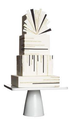 Black-and-white Art Deco wedding cake #cake #ArtDeco #wedding