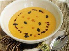 Kürbiscremesuppe ist ein Rezept mit frischen Zutaten aus der Kategorie Kochen. Probieren Sie dieses und weitere Rezepte von EAT SMARTER!