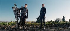 Edge of Tomorrow - Publicity still of Tom Cruise & Emily Blunt. The image measures 2048 * 905 pixels and was added on 30 April Edge Of Tomorrow, Rio 2, Chinese Fans, Chinese Movies, Shailene Woodley, X Men, Cannes, Doug Liman, Critique Cinema