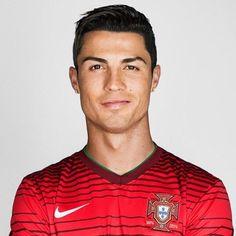 CR7 PLANET Messi Soccer, Soccer Guys, Good Soccer Players, Football Players, Cristiano Ronaldo Quotes, Cristino Ronaldo, Ronaldo Pictures, Cr7 Juventus, Cr7 Junior