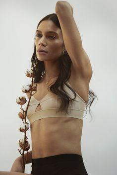 Mia Ilorah - female model at Le Management