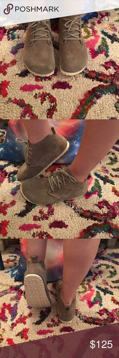 HTF BIRKENSTOCK TAUPE SUEDE DUNDEE BOOT 37 NWOT HTF and sold out BIRKENSTOCK DUNDEE boot in taupe suede size 37/L6 M4. I'd say you could possibly make these work if you wear a 7.5 or are on the smaller side of an 8. ❄7-7.5 will fit PERFECTLY!!!!!❄You might be able to find a few on Amazon for $160! Or on the Birkenstock AU site for $237 😳No box. So bummed these are too small for me otherwise they'd NEVER leave my possession!!! Don't miss out on these awesome shoes while I search for another…