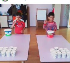(Messy Minutes To Win It Games)Ping Tac Toe - water in cups You have to bounce a ping pong ball onto the table and then into the cup, making 3 in a rowTake a new years eve top hat and bou Preschool Decor, Preschool Learning Activities, Activities For Kids, Crafts For Kids, Diy Crafts, Family Party Games, Fun Party Games, Mini Games, Kho Lanta