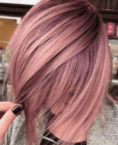 42 Trendy Rose Gold Blonde Hair Color Ideas - rose gold hair highlights, rose gold hair - Hair and Beauty eye makeup Ideas To Try - Nail Art Design Ideas Gold Hair Colors, Ombre Hair Color, Rose Hair Color, Rose Blond, Rose Gold Short Hair, Ombre Rose Gold Hair, Rose Gold Bayalage, Dusty Rose Hair, Dark Pink Hair