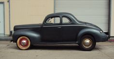 1940 Ford V8 Coupe The most iconic bootlegging car of all-time. Fitted with supercharged V-8 Cadillac ambulance engines made it the perfect moonshine-running car. It also had huge cargo-carrying capacity then add its awesome power. The trunk was enormous, capable of holding 100-132 gallons of moonshine either in carefully-packed jars or gallon-size tins.