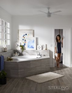 Ready to unwind? The Lawson Oval Bath helps you create a relaxing reprieve in your very own bathroom.