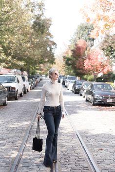 http://www.megbiram.com/wp-content/uploads/2015/11/hudson-flare-jeans-1.jpg