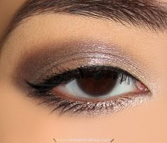 """""""Foxy"""" (highlight)  - """"Tease"""" (midtone — the area between your highlight and crease)  -  """"Verve"""" (center lid to inner corner; also apply on tear duct)  - """"YDK"""" (outer half of lid and entire lower lash line; blend where it meets Verve)  - """"Busted"""" (outer V; blend along entire crease)"""