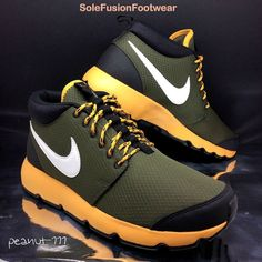 Nike Mens Roshe Run Trainers Sz 7.5 Green orange Trail Running Sneaker US  8.5 42  b8357205c1