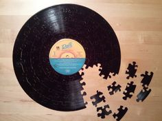 Love this idea for a jigsaw puzzle! Handmade vintage record puzzle by Frutionlab. Old Vinyl Records, Vinyl Music, Vintage Records, Sock Hop Party, Cool Presents, Just A Game, Vintage Love, Vintage Style, One Light