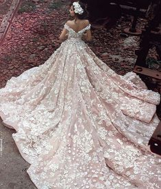 Cheap wedding dresses royal, Buy Quality gowns bridal directly from China luxury lace wedding dresses Suppliers: Champagne Flowers Luxury Lace Wedding Dresses Royal Trian 2017 Robe De Mariage Off Shoulder Ball Gowns Bridal Vestidos Dream Wedding Dresses, Bridal Dresses, Wedding Gowns, Lace Wedding, Modest Wedding, Wedding Venues, Bridesmaid Dresses, Wedding Bride, Gypsy Wedding