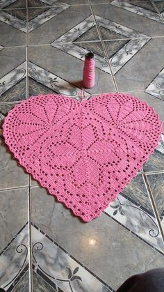 Crochet Boots Pattern, Crochet Mat, Diy Crochet Patterns, Crochet Flower Tutorial, Beading Patterns Free, Crochet Squares, Crochet Home, Thread Crochet, Filet Crochet