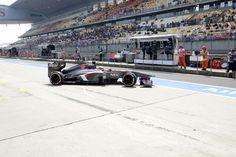 Round 3, UBS Chinese Grand Prix 2013, Practice, Nico Hulkenberg, Sauber F1 Team, Leaves Garage