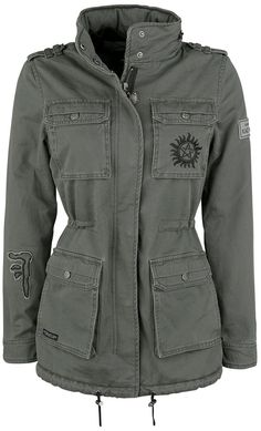 Supernatural Parka – Buy now at EMP – More Fan merch TV Series available online - Unbeatable prices! Supernatural Jewelry, Supernatural Merchandise, Supernatural Outfits, Supernatural Fandom, Supernatural Fashion, Nerd Fashion, Fandom Fashion, Disney Fashion, Punk Fashion