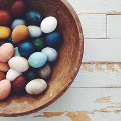 naturally dyed Easter eggs : Kirsten Rickert