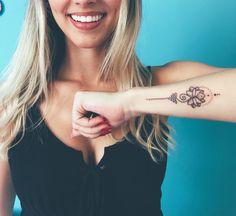 Unalome Tattoo Flor de lótus