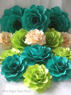 Romantic Elegance Collections: Large Paper Flowers #paperflowers #wedding #large…