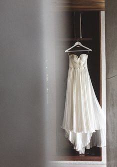 Sleeveless Spring/Summer Country Beach Wedding Dress with Removable