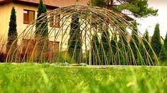 Živé stavby z vrby - vrbové stavby - Proutěné ploty a rohože na plot   Vrbové stavby - Naše realizace Living Willow, Outdoor Fire, Pergola, Waterfall, New Homes, Outdoor Structures, Garden, Plants, Infant