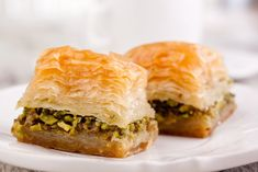 How to make the perfect baklava - Turkish Recipes He learned the secret of making Turkish baklava at home, Turkish cuisine has a long history, Turkish Baklava, Turkish Recipes, Ethnic Recipes, Eastern Cuisine, Spanakopita, Sweet Recipes, Good Food, Food Porn, Food And Drink