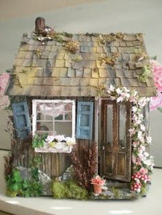 Artist's Cottage Dollhouse
