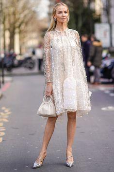 BLANCO Kebaya Modern Dress, Kebaya Dress, Kebaya Lace, Simple Dresses, Elegant Dresses, Nice Dresses, Modest Fashion, Fashion Dresses, Lace Dress