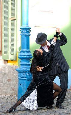 Street tango Buenos Aires http://www.argentinaexchange.com/