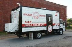 A man turned a truck into a mobile shower for the homeless. - Purpleclover.com