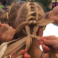 Four-Strand-Knot Braid, festival braids but with a twist!