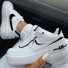 Moda Sneakers, Sneakers Mode, Casual Sneakers, Black Sneakers, Winter Sneakers, Black Shoes, White Shoes Outfit, Nike Casual Shoes, Gucci Shoes Sneakers