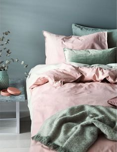 48 Trendy home design inspiration bedroom duvet covers Light Pink Bedrooms, Pastel Bedroom, Bedroom Green, Bedroom Colors, Bedroom Decor, Bedroom Ideas, Light Pink Bedding, Light Pink Duvet Cover, White Bedroom