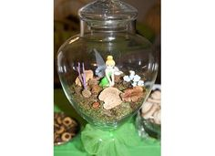 even though I don't like the fairies in a jar idea as hurtful to living creatures, this is cute Picnic Birthday, Fairy Birthday Party, Girl Birthday, Birthday Parties, Birthday Ideas, Tinkerbell Party Theme, Tangled Party, Fairytale Party, Fairy Jars